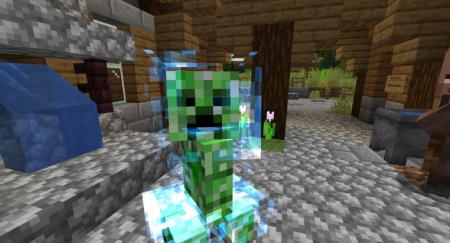 Скачать Naturally Charged Creepers для Minecraft 1.16.3